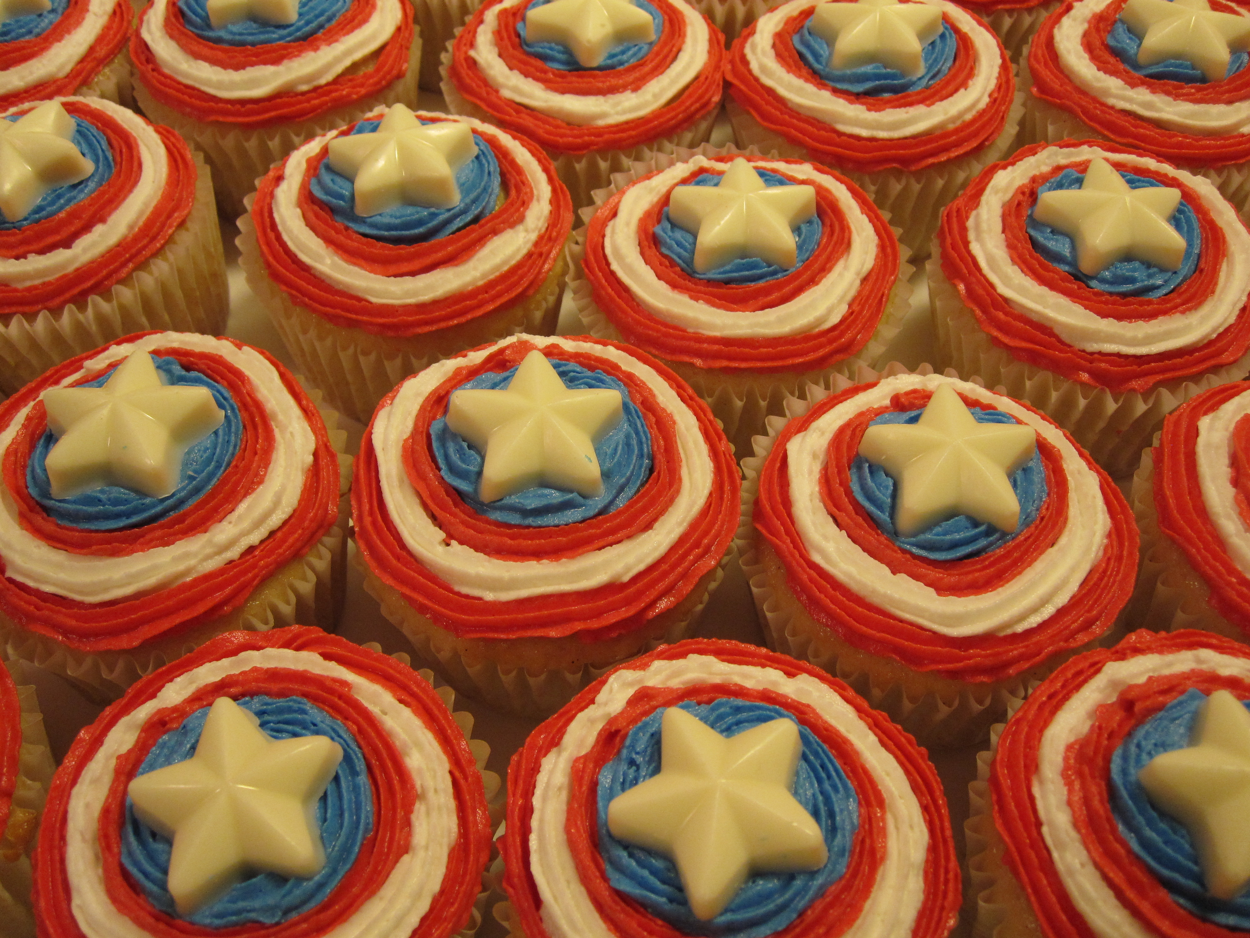 1000 Ideas About Avenger Cupcakes On Pinterest Avengers